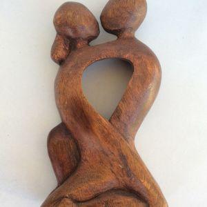 Αγαλμα ξύλινο σκαλιστό ζευγάρι ερωτευμένο
