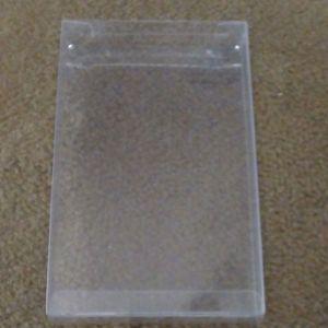 Θήκη πλαστική για βιντεοπαιχνίδια.