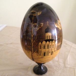 Πώληση   Ζωγραφισμένου   στο   Χέρι   Ξύλινου    Αυγού   από    Ρώσο   Ζωγράφο