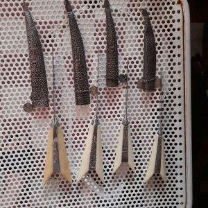 Ασημένιες κριτικές μαχαιρες