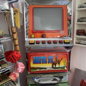 παλαιά κονσόλα παιχνιδιών 1985