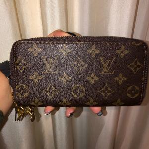 Πορτοφόλι Louis Vuitton