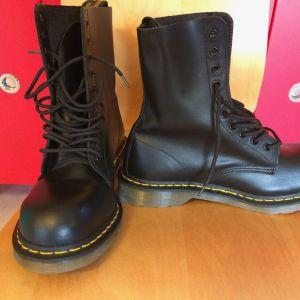 Μπότες/άρβυλα Dr. Martens αντρικά