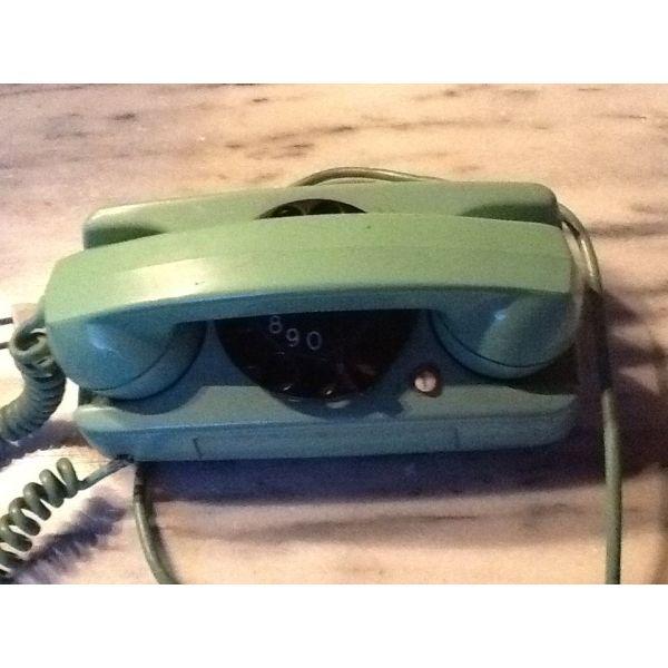 tilefono,vakelitis epochis 1970