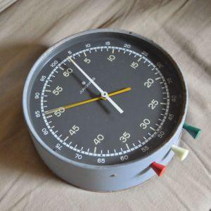 Γερμανικό Χρονόμετρο τοίχου Junghans κατασκευής 1960 σε καλή λειτουργία -Φωσφορίζοντα νούμερα