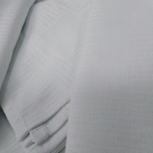 τραπεζομαντηλο 1.60χ2.60 με 12 πετσετες