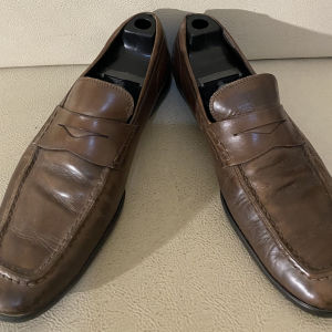 extremely gorgeous genuinely leather flat shoe by Tods used shoe made in Italy size 46