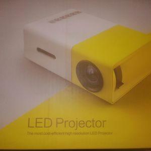 Προτζέκτορας Mini Portable Led Projector, Yg300