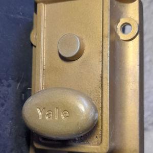 Yale κλειδαριά