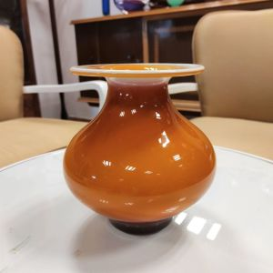 Βάζο από οπαλίνα σε πορτοκαλί απόχρωση