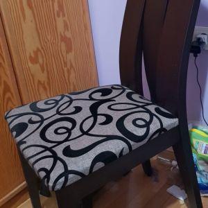 Ξυλινες καρέκλες τραπεζαριας μασιφ δρυς με ανάγλυφο σχέδιο