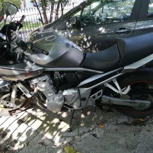 Suzuki bandit 650   09
