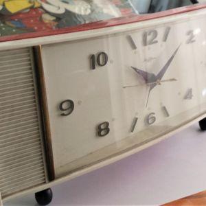 Σπάνιο πολύ όμορφο ρολόι εποχής (δεκαετίας 60)