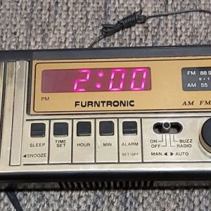 Vintage ( δεκ. 80 ) Retro Bed Clock Furntronic Am Fm Clock Radio Model F206