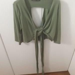 Nidodileda green top