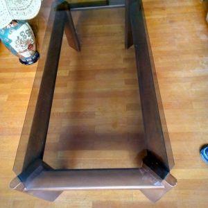 Τραπέζι σαλονιού ξύλινο με κρύσταλλο