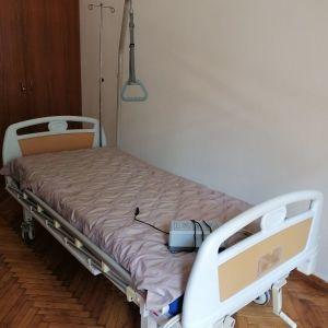 Νοσοκομείακο κρεβάτι