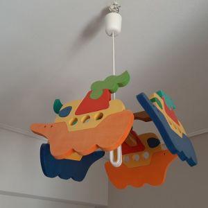 Παιδικο φωτιστικό οροφής και κρεμάστρα με καραβάκια
