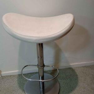 Σκαμπο bar stools