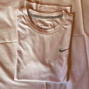 Nike T-shirt Dri-fit γυναικιο