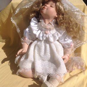 Κούκλα από πορσελάνη, νύφη.