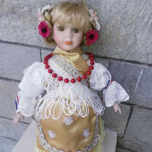 Πορσελάνινη κούκλα απο Κροατία