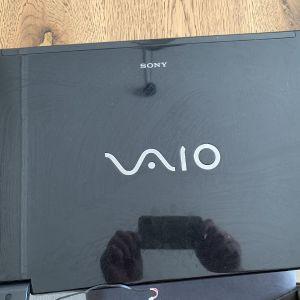 Sony vaiο VGN-R21S οθονη        μαζί με το πλαίσιο μεντεσεδες καλώδιο ταινία και κάμερα!οθόνη 17 ιντζων από λαπτοπ