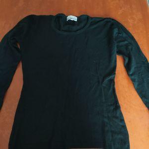 Μαύρη μακρυμάνικη μπλούζα