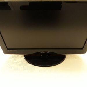 "Samsung TV 19"""