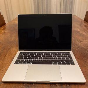 MacBook Pro Late 2019 - 13.3 - i5 1.4Ghz/ 16GB/ 256 GB - Silver - TouchBar - Touch ID - 1 χρόνο εγγύηση Apple
