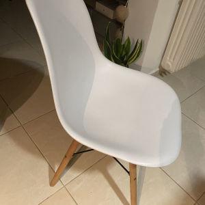 4 καρέκλες