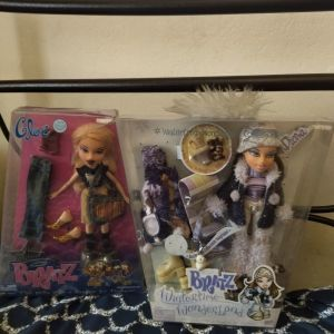 Κούκλες Bratz άθικτες στα κουτιά τους