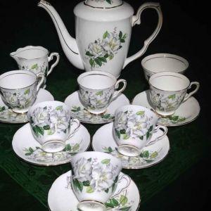 """Σερβίτσιο του καφέ ( ελληνικό/ εσπρέσσο) Royal Stafford """"Camellia"""", πορσελάνη Αγγλίας bone china 1950."""