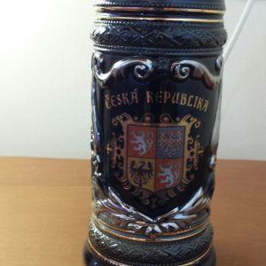 Συλλεκτικο ποτηρι μπυρας αγορασμενο στη  Πραγα αριστη κατασταση.