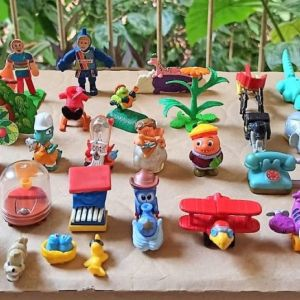 37 παιχνιδάκια Kinder δεκαετίας '90