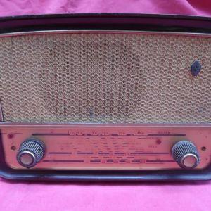 Ραδιόφωνο SIERA από βακελίτη της δεκαετίας του '50. ( Χρήζει επισκευής)