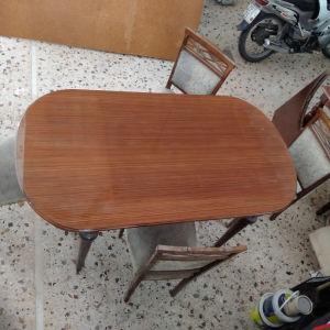 τραπεζαρία επεκτεινόμενη με 4 καρέκλες