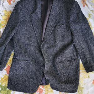 2 κουστούμια serio σε πολύ καλή κατάσταση η τιμή είναι συζητήσιμη