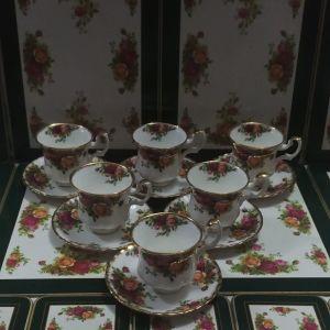 """Φλιτζάνια του καφέ 6 τμ με τα 6 τμ πιατάκια Royal Albert """"old country roses"""" bone china England 1962-1973"""