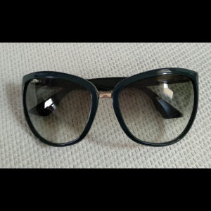 Armani, γυαλιά ηλίου αυθεντικά.