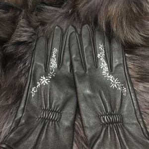 Δερμάτινα γάντια - ζωγραφισμένα στο χέρι