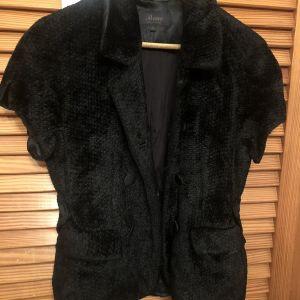 Μαύρο σακάκι με κοντό μανίκι Rococo