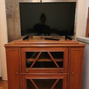 Έπιπλο Τηλεόρασης - Κλασικό - Πωλείται άμεσα λόγω μετακόμισης!