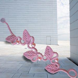 Βραχιολι *Flamingo dance* με τεχνη μακραμε, χαντρες, χειροποιητο. Καινουργιο.