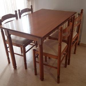 Τραπεζαρία κουζίνας με έξι (6) καρέκλες