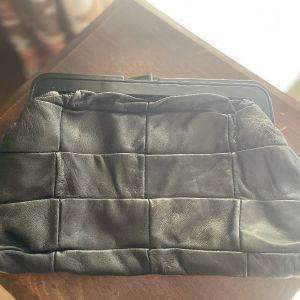 Vintage Μαύρη Δερμάτινη Τσάντα Χειρός