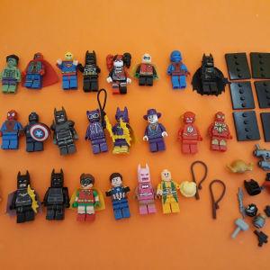 Lego minifigures superheroes πακέτο