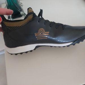 Παπούτσια αθλητικά καινούργια 40 νούμερο