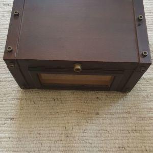 Ξύλινο κουτί με διακοσμητικό μηχανή με αποθηκευτικό χώρο 35χ26χ21 εκατοστά