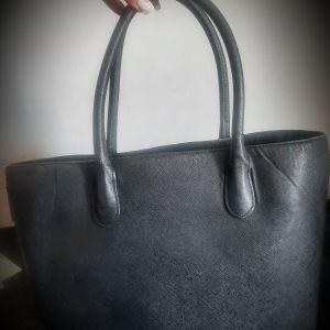 Μεγάλη ευρύχωρη μαύρη tote bag(H&M)